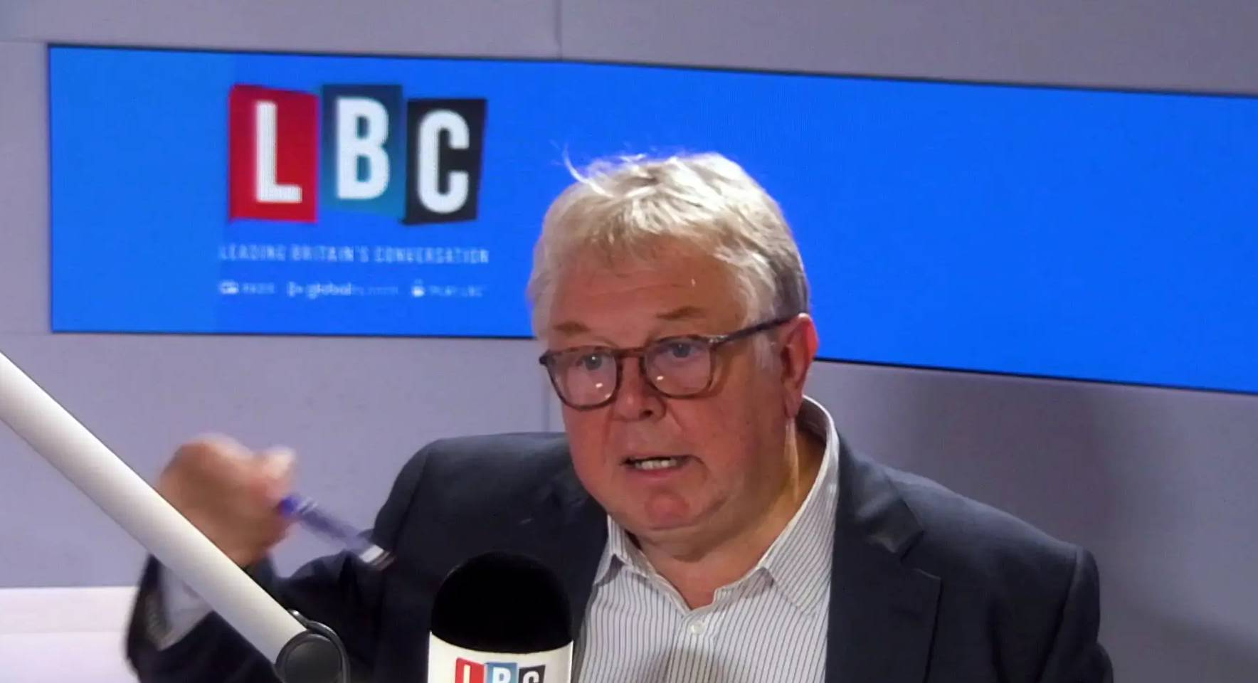 Primary School teacher, Cassie, talks to Nick Ferrari about the TfL STARS Scheme and how it's helping to educate young pupils on air quality.
